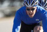תמונת ספורטאי רוכב אופניים